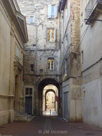 Passage en Avignon